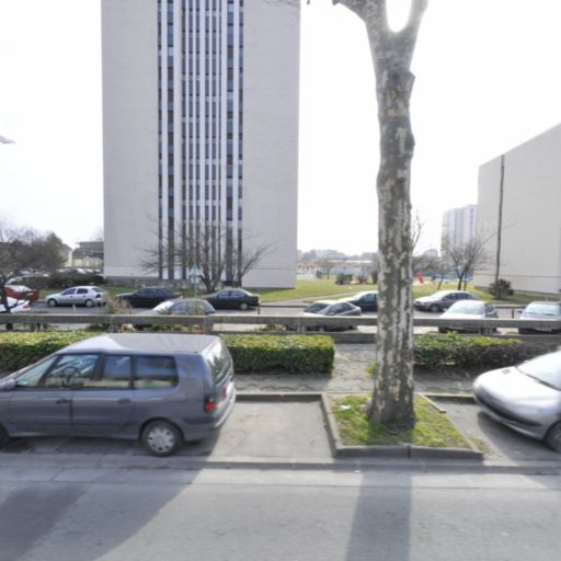 Dlm Cars - Chauffeur d'automobiles - Noisy-le-Sec