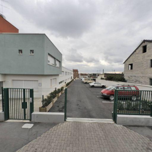 Adoma - Affaires sanitaires et sociales - services publics - Montreuil