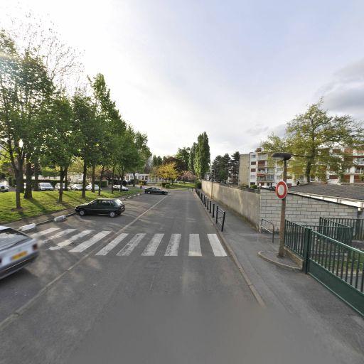 Evry Grand Roque Club D'Echecs De La Ville D'Evry - Club de jeux de société, bridge et échecs - Évry-Courcouronnes
