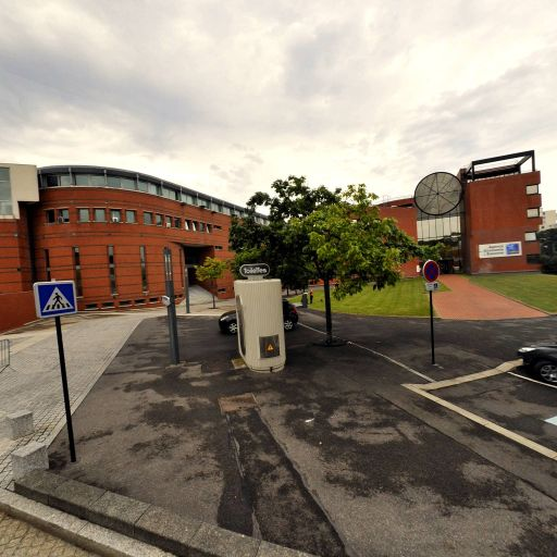Institut Universitaire de Technologie Evry Brétigny Juvisy I.U.T - Enseignement supérieur public - Évry-Courcouronnes