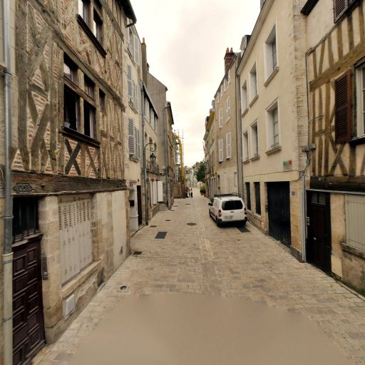 Tachouche Nacima - Expert en immobilier - Orléans