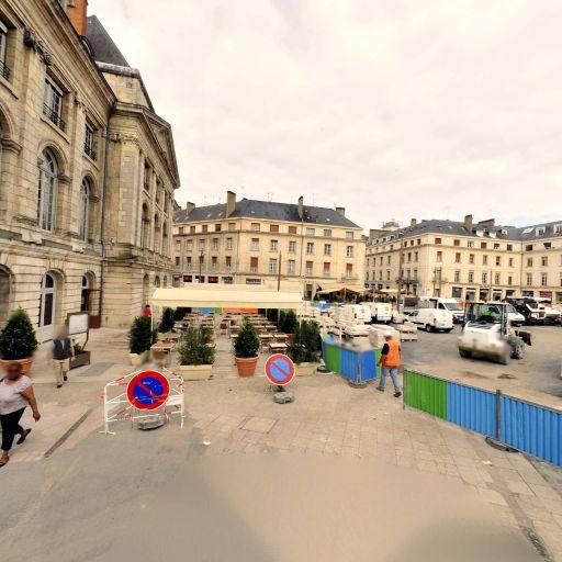 Pôle Emploi Martroi - Emploi et travail - services publics - Orléans