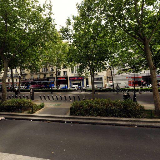 Station Vélib' Rochechouart - Martyrs - Vélos en libre-service - Paris