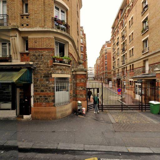 Banari Inga - Concessionnaire automobile - Paris