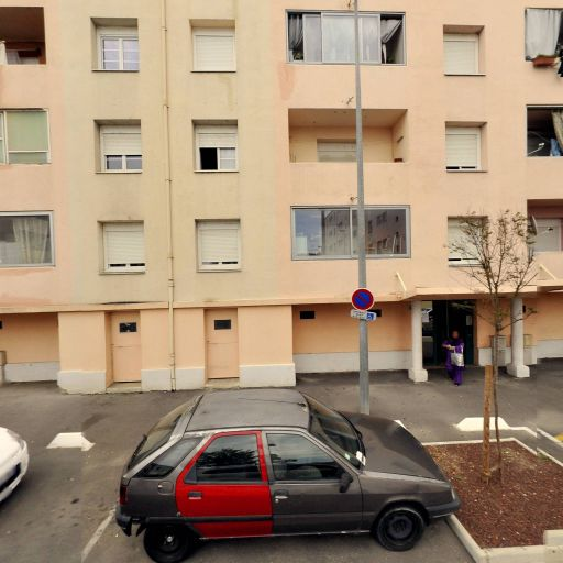 Tarot Des Alyscamps - Club de jeux de société, bridge et échecs - Arles