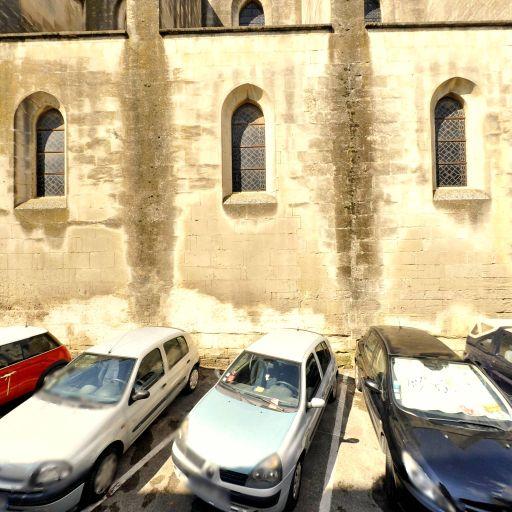 Église Saint-Julien - Attraction touristique - Arles