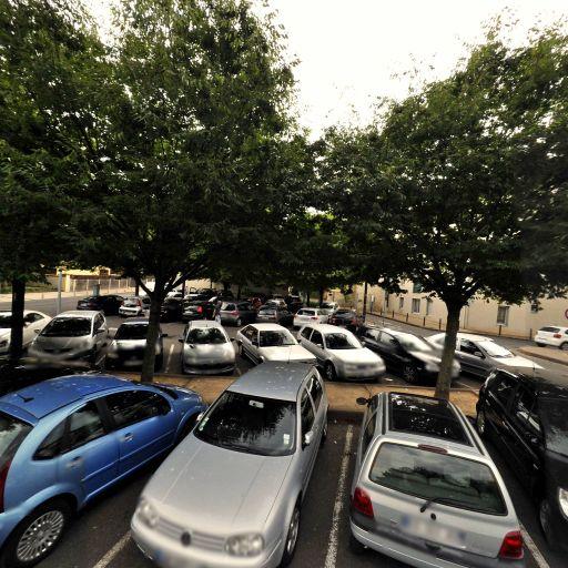 Parking Jardiniers - Parking - Villefranche-sur-Saône
