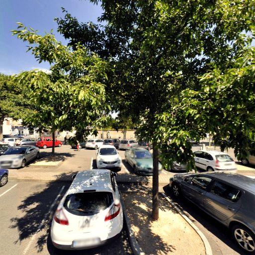 Parking Claude Bernard - Parking - Villefranche-sur-Saône