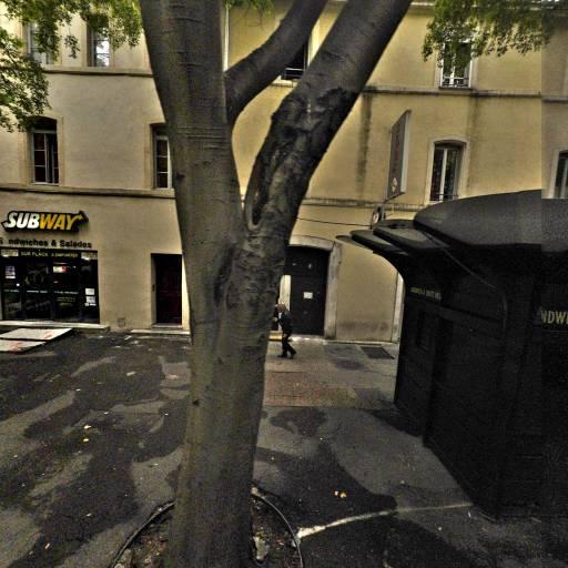 Pharmacie Amiral Courbet - Pharmacie - Nîmes
