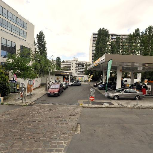 Total Access - Station-service - Montreuil