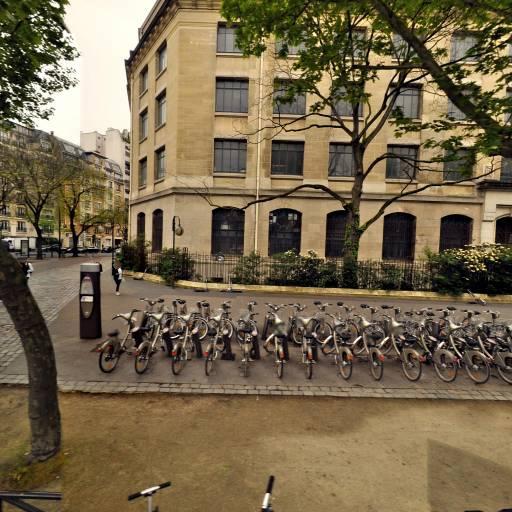Station Vélib' Porte Molitor - Vélos en libre-service - Paris