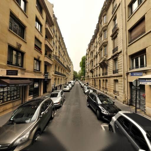 Aux Doigts De Fee - Pressing - Paris