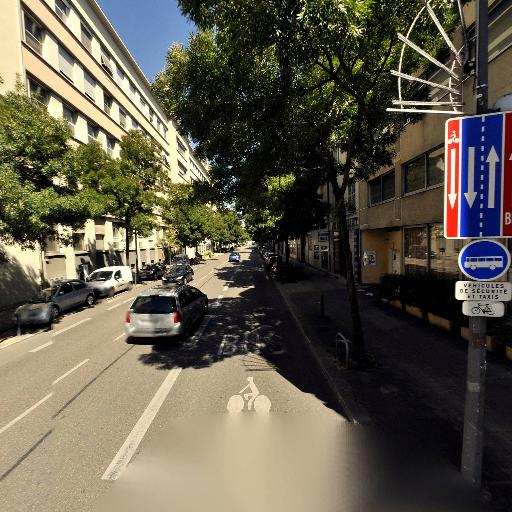 Kyriad Direct Grenoble - Hôtel - Grenoble