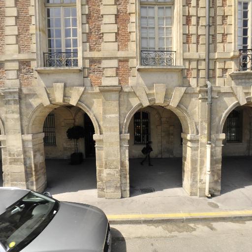 Crespi Chiara - Organisation d'expositions, foires et salons - Paris