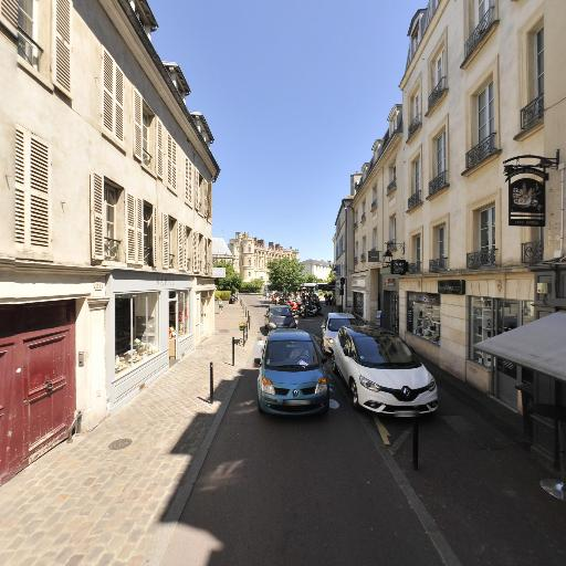Upandgrow - Création de sites internet et hébergement - Saint-Germain-en-Laye