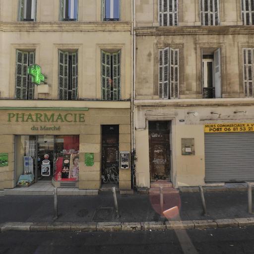 L'Hydre Aux Milles Tetes - Librairie - Marseille