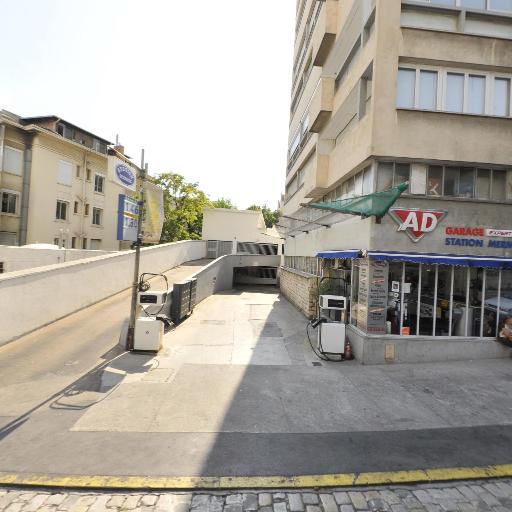 Station-Service Mermoz - Station-service - Marseille