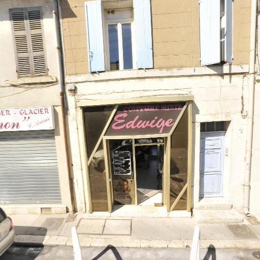 Cartel Coiffeur Et Maquill - Coiffeur - Marseille