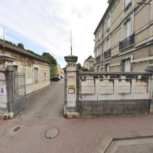 KissKissComCom - Création de sites internet et hébergement - Bourg-en-Bresse