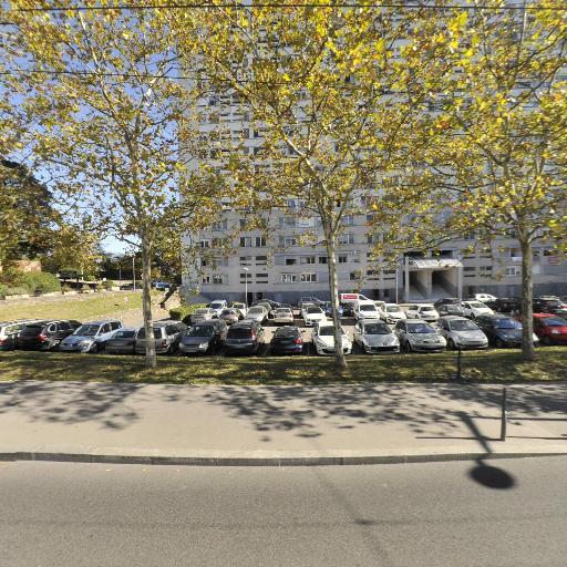 At Vtc - Location d'automobiles avec chauffeur - Lyon