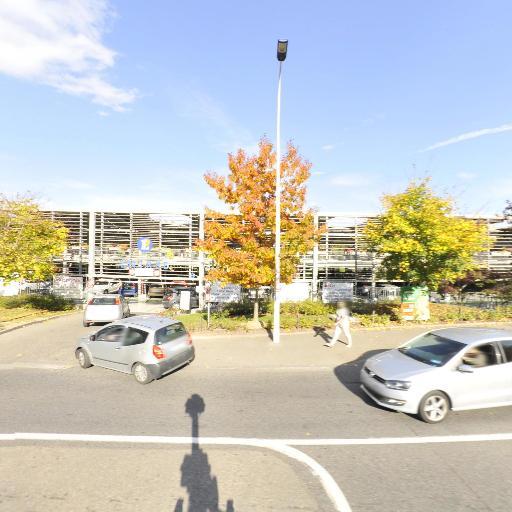 Parking Centre Commercial E.Leclerc Lyon Champvert - Parking - Lyon
