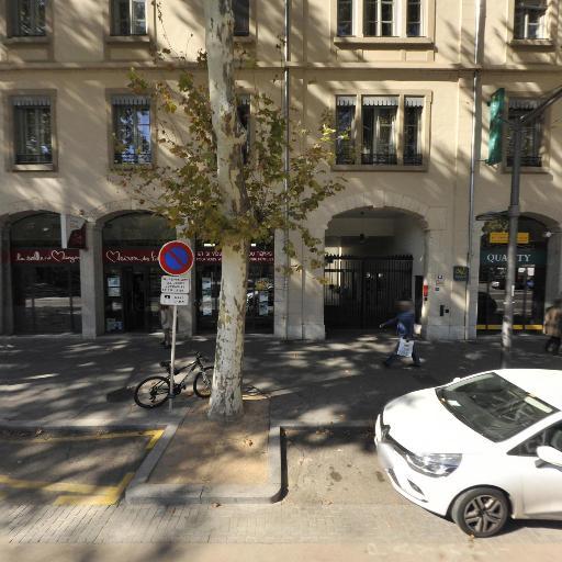 Aparthotel Adagio Lyon Patio Confluence - Hôtel - Lyon