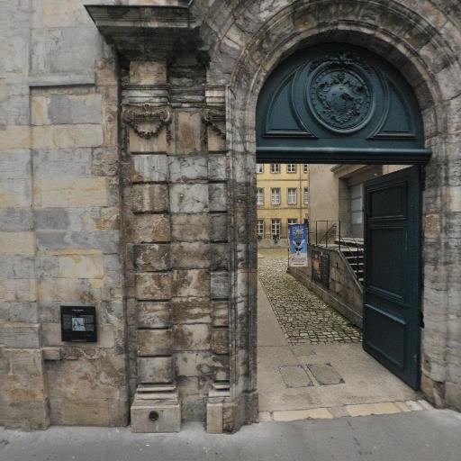 Grand Seminaire Centre Diocesain - Église catholique - Besançon