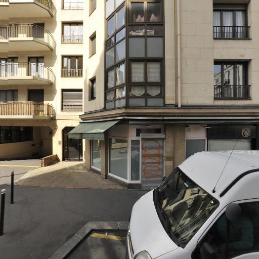 Thomas Carletti - Masseur kinésithérapeute - Paris