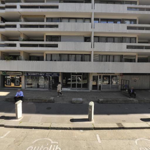 Franceschini Distribution Et Associe - Équipements pour salles de bain - Paris