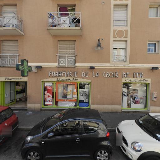 Pharmacie De La Croix De Fer - Pharmacie - Nîmes