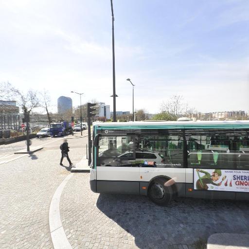 Station Vélib' Général Martial Valin - Pont du Garigliano - Vélos en libre-service - Paris