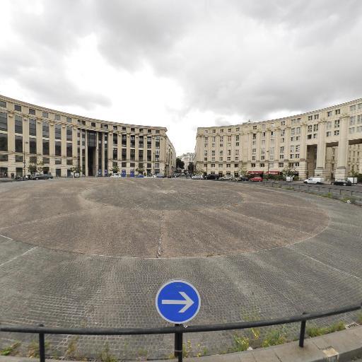 Place de Catalogne - Attraction touristique - Paris