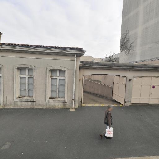 Axa Moioli Franck Prévoyance et Patrimoine Agent Général - Banque - Niort